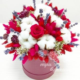 lavanda-i-roza-v-shlyapnoj-korobke
